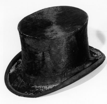 Photo of a beaver fur tophat