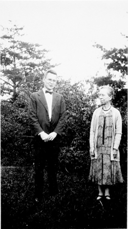 Mary Jane Rathbun and Waldo Lasalle Schmitt, c. 1920s, by unknown (Smithsonian Institution Archives, 78-1218)