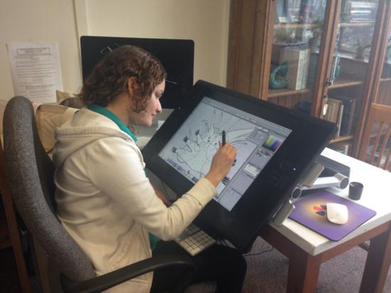 Rachel ilustrando un espécimen poliqueto.