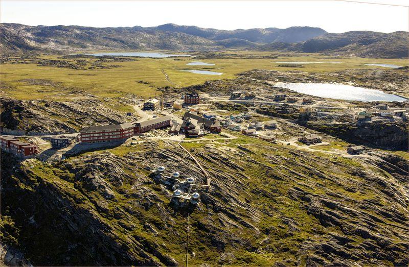 01-243-02. 4364_2013_Arctic Hotel_aerial_wer
