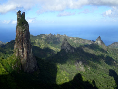 Poumaka, a prominent 500 m tall spire on Ua Pou. (photo by Ken Wood)