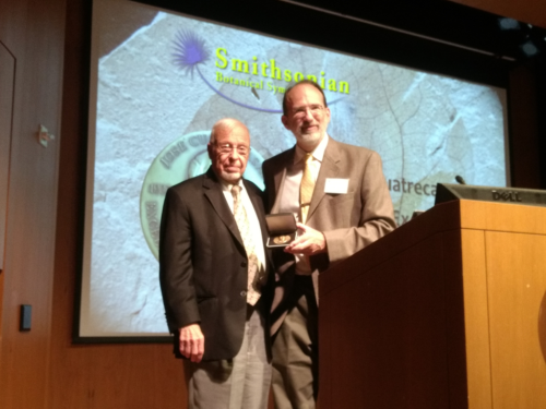 Kenneth Wurdack presents Alan Graham with the 16th José Cuatrecasas Medal in Tropical Botany. (photo by Gary Krupnick)