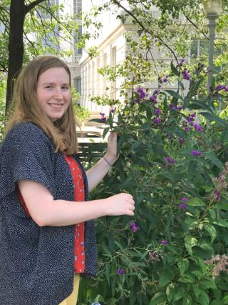 Botany intern Fiona Miller